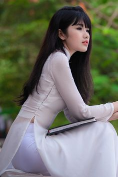 1573 best womens fashion images on pinterest asian woman ao dai untitled o di lung th linh flickr vietnam girloriental ccuart Gallery