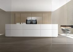 Custom fitted kitchen LINEA Glam Glam Collection by Comprex | design MARCONATO