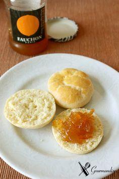 Kefir Scones (w/ orange marmelade) Kombucha, Kefir Recipes, Healthy Recipes, Beneficios Do Kefir, Paleo Life, Crumpets, Pasta, Cinnamon Rolls, Superfoods