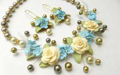 Bib necklace  Pastel jewelry  Flower jewelry set  by insoujewelry, $77.00