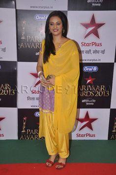 Purple patiala suit at Star Parivaar Awards 2013.