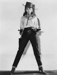 JANE FONDA A young Fonda poses for the movie Cat Ballou in a pair dark wash jeans in Cowgirl Vintage, Cowboy And Cowgirl, Cowboy Baby, Vintage Western Wear, Cow Girl, Jane Fonda, Westerns, Raquel Welch, Jane Seymour