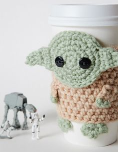 Crochet Yoda Coffee Cup Cozy - Love this!!