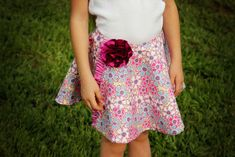 Today, the girls over at Project Run and Play announced the winners for Season 4!!  I can hardly believe another whole season has come and gone!  Below, I am sharing the tutorial for a wrap circle skirt I shared over at Project Run and Play a few weeks ago.  Have you made a circle skirt …