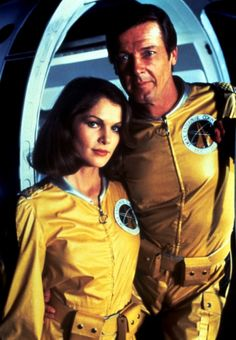 """Roger Moore as James Bond 007 and Lois Chiles as Holly Goodhead in """"Moonraker""""… James Bond Women, James Bond Style, Bond Series, Tv Series, Claudine Auger, Ursula Andress, Kim Basinger, James Bond Movies, Roger Moore"""