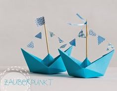 Table decoration, shipping paper maybe in gray and light green, matching the color . Table decoration, shipping paper maybe in gray and light green, matching the color concept Diy Crafts To Do, Paper Crafts, Deco Theme Marin, Diy For Kids, Crafts For Kids, Nautical Party, Baby Shower, Baby Birthday, Diy Gifts