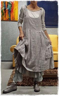 """Robe Perrine rayée écrue """"Les Ours"""" + T-Shirt Aelis gris """"Les Ours"""" + Jupon Madeleine bleu """"Les Ours"""" & Bloomer gris/bleu """"Myrine & Me"""""""