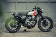 Honda CB 750 Brat Style by Redeemed Cycles #motorcycles #bratstyle #motos | caferacerpasion.com