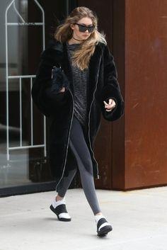 Gigi Hadid Photos - Gigi Hadid Steps Out in NYC - Zimbio