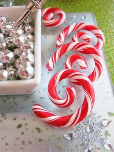 Wilton Peppermint Swirls for winter fun - hot cocoa, cupcakes, desserts! @ Purple Chocolat Home