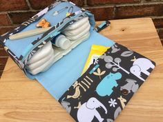 New and larger safari diaper bag with clear zipper by purseNmore