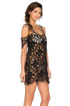 Летний сарафан-накидка из мотивов. Машинное кружево. Имитация вязания крючком. #Lace_fashion #machine_made_crochet_dress #machine_made_crochet #lace_summer_dress #crochet_lace #Lady_in_black
