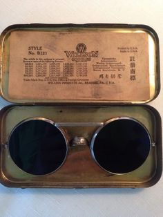 Cheap Ray Ban Sunglasses Sale, Ray Ban Outlet Online Store : - Lens Types Frame Types Collections Shop By Model Steampunk Design, Victorian Steampunk, Steampunk Fashion, Retro Sunglasses, Round Sunglasses, Sunglasses Case, Sunnies, Street Snap Fashion, Jack Of Spades