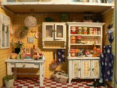 "coses petitones (For detailed pics, please see my ""Dollhouse Kitchen Pantry Scenes / Items"" board)"