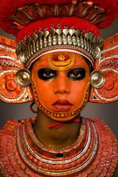 pata-caliente:    Black Eyed Pee Wee | Kannur, Kerala, India (by Andre Roberge)