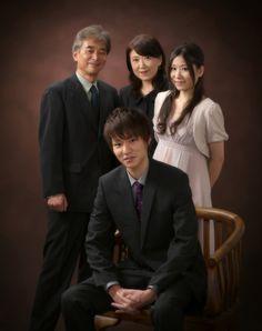 【フォトギャラリー】成人(033) 男性 スーツ ご家族とのメイン画像