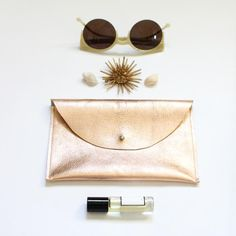 I had a Barbie who had a gold clutch just like this one. I was so jealous!