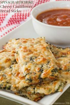 Spinach Artichoke Cheesy Cauliflower Bread Sticks - pack veggies and cheese into this side dish or appetizer recipe inspired by everyone's favorite spinach artichoke dip for a gluten free snack that's fun to eat. Gluten free, low carb, and vegetarian. Gluten Free Appetizers, Low Carb Appetizers, Appetizer Recipes, Spinach Recipes, Vegetarian Recipes, Cooking Recipes, Vegetarian Appetizers, Spinach Dip, Healthy Cooking