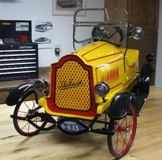 *PEDDLE CAR ... =====>Information=====> https://www.pinterest.com/hmcus/old-pedal-cars/