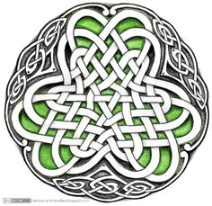 "interesting celtic knot design   ""shamrock-in-a-circle""  from Tattoos and doodles: Celtic circle - Irish shamrock"