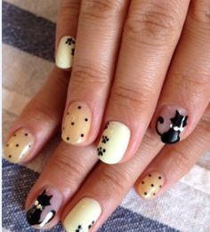 My nails need to look like these! Cat Nail Art, Cat Nails, Love Nails, How To Do Nails, New Nail Colors, Manicure, Polka Dot Nails, Polka Dots, Cool Nail Designs