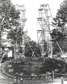 Kennywood Park: The clock still exists, but the twin Ferris Wheels have since been removed from the park.