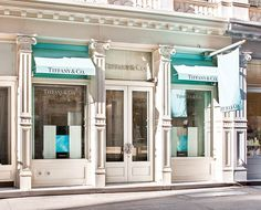 Megan Hess Awnings in Tiffany Blue! Azul Tiffany, Tiffany And Co, Tiffany Blue, Tiffany Store, Retail Facade, Luxury Store, Luxe Life, Shop Fronts, Mint