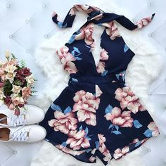 Collection to help inspire outfit ideas! This could be used for back to school looks, or help you create your own style. Cute Summer Outfits, Outfits For Teens, Pretty Outfits, Essentiels Mode, Navy Blue Floral Dress, Floral Romper, Chic Outfits, Fashion Outfits, Girl Outfits
