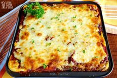 A keto lasagna recipe for meat lovers! Rather than try to sneak in a vegetable for the pasta layer, meatza slices are used in this low carb lasagna recipe. Lasagne Roll Ups, Keto Foods, Keto Recipes, Dinner Recipes, Crockpot Recipes, Dinner Ideas, Diet Plan Menu, Keto Meal Plan, Diet Plans