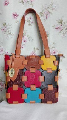Anahita licht bruin. Handgemaakt, lederen schoudertas, kleurvol mozaiek. Handmade, full grain leather shoulder bag. colorful mosaic tiles. door BonesArtisan op Etsy