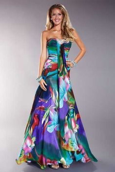 Best Ideas Moda 2019 Tendencias Juvenil Fiesta Source by lunghi Elegant Dresses, Pretty Dresses, Sexy Dresses, Fashion Dresses, Prom Dresses, Formal Dresses, Beaded Dresses, Beautiful Gowns, Beautiful Outfits