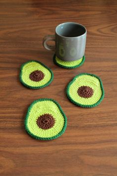 HOLY GUACAMOLE Add some smooth green freshness to your tabletops with these handmade avocado coasters! These coasters Yarn Crafts, Diy And Crafts, Arts And Crafts, Crochet Home, Knit Crochet, Diy Crochet Flowers, Crochet Projects, Sewing Projects, Cute Avocado