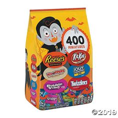 Reese's Whoppers Bubble Yum Kit Kat Jolly Rancher and Twizzlers Halloween Variety Bag - / Best Halloween Candy, Halloween Chocolate, Halloween Cat, Vintage Halloween, Chocolate Sweets, Jolly Rancher Hard Candy, Bubble Yum, Malted Milk