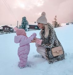 Image about fashion in mother and daughter ♥ by ♕ Mother And Baby, Mom And Baby, Baby Kids, Toddler Girls, Baby Outfits, Kids Outfits, Baby In Snow, Baby Winter, Summer Winter