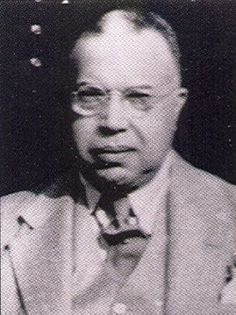 Jewel Vertner Woodson Tandy - May 1885 - November 1949 First registered African-American architect in New York State; Co-founder of Alpha Phi Alpha fraternity at Cornell University Alpha Phi Alpha, Alpha Male, Black Fraternities, Alpha Fraternity, Greek Life, African American History, Black History, Business Women, Hudson River