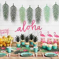 Aloha Party In A Box, Exotic Party Decoration, Garden Party Decor, Summer Party, Last Minute Party Decor Aloha Party, Tiki Party, Festa Party, Hawaiian Theme Party Food, Luau Food, Party Party, Flamingo Party, Flamingo Birthday, Flamingo Cupcakes