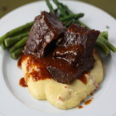 Braised Beef Short Ribs - classic, simple w/ polenta Beer Braised Short Ribs, Beef Short Ribs, Braised Beef, Fast Short Ribs Recipe, Short Ribs Recipe Pioneer Woman, Pressure Cooker Short Ribs, Pressure Cooker Recipes, Pressure Cooking, Slow Cooker