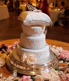 Disney Wedding Inspiration: Cinderella's Glass Slipper as a Cake Topper
