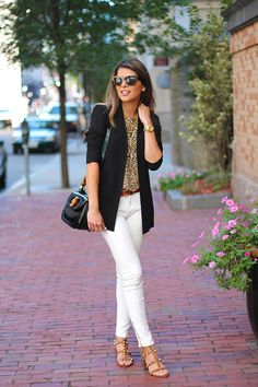 Interesting outfit look blazer, casual blazer, white pants outfit, black je Summer Work Outfits, Casual Work Outfits, Mode Outfits, Office Outfits, Spring Outfits, Fashion Outfits, Work Casual, Office Attire, Skirt Outfits