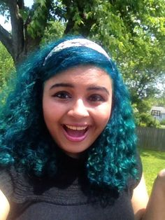 turquoise blue hair, love