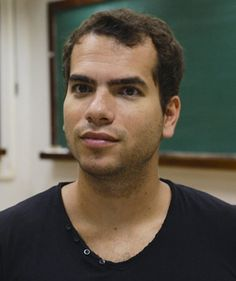 Artur Avila: taming chaos by Mariane Freiberger and Rachel Thomas Artur Avila has been awarded the Fields Medal, the most prestigious prize in maths, at this year's International Congress of Mathematicians in Seoul.