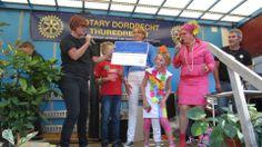 In september 2013 was het evenement Krijten voor Kinderen, georganiseerd door Rotary Dordrecht-Thuredrecht. We hebben een fantastisch mooi bedrag gekregen. Wat zijn we daar ontzettend blij mee. Hier kunnen we ruim 100 kinderen van bezoeken!