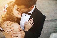 """En los últimos meses antes de casarnos, ésa frase se convirtió en el tema rompehielo con el cual la mayoría de personas se acercaban a mí, seguido de una """"conversación seria"""" aludiendo a mi juventu..."""