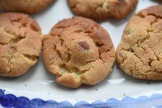 I går tippede jeg om disse lækre Bondekager på Facebook og jeg lovede dig straks opskriften. Den kommer her :-) Bondekager er fænomenale kager, til den hurtige lækkersult. De smager karamelagtigt godt og er klar på ingen tid. Lchf, No Bake Cake, Biscotti, Christmas Cookies, Tapas, Cookie Recipes, Sweet Tooth, Food Porn, Food And Drink