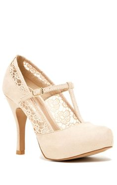 Lace T-Strap Pumps ♥