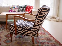 www.kaisakallatsa.fi Bold Colors, Colours, Wishbone Chair, Living Room, Interior Design, Pattern, Furniture, Home Decor, Nest Design