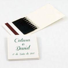"Cajas de cerillas para bodas modelo ""Book 1x9 Elegant"". Boda de Catuxa e David. David, Cards Against Humanity, Templates, Weddings, Match Boxes, Adhesive, Colors"
