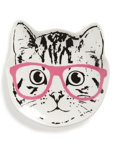 This cute and quirky trinket tray, featuring a bespectacled cat, adds eccentric-sophistication to the home décor.