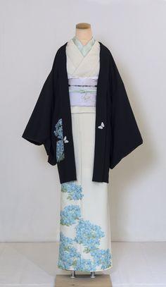 Traditional Kimono, Traditional Fashion, Traditional Outfits, Japanese Outfits, Japanese Fashion, Asian Fashion, Japanese Yukata, Furisode Kimono, Kimono Design
