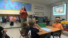 1st Grade Extended Classroom: RI.1.1, 2, & 3 - Main Idea and Key Details About Pumpkins
